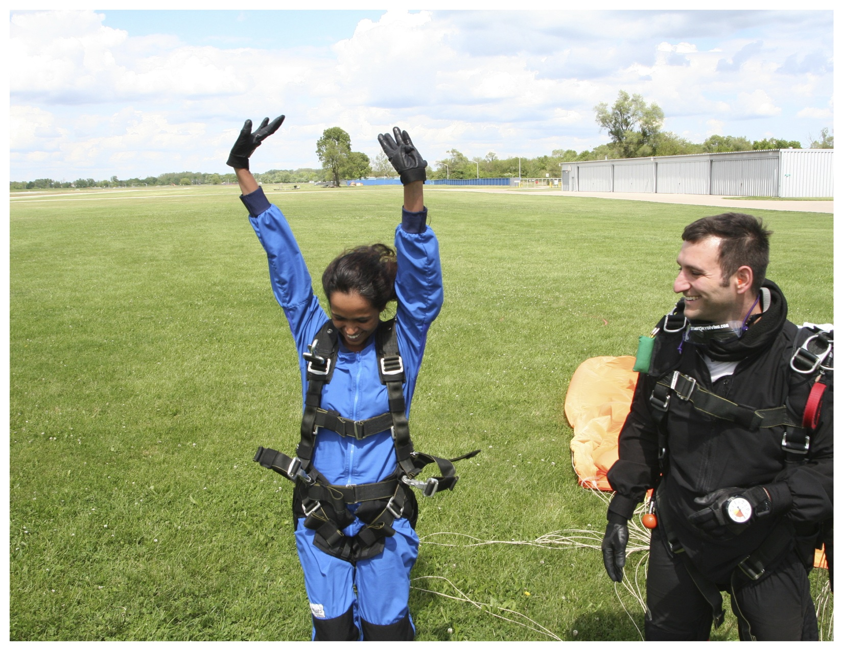 sky diving experience Tandem skydiving tandem skydiving is the fastest and easiest way to experience the excitement of freefalling you will be attached to the front of an experienced tandem jump master and enjoy the definitive adrenaline rush - all without the intensive training or responsibility of opening your own parachute.